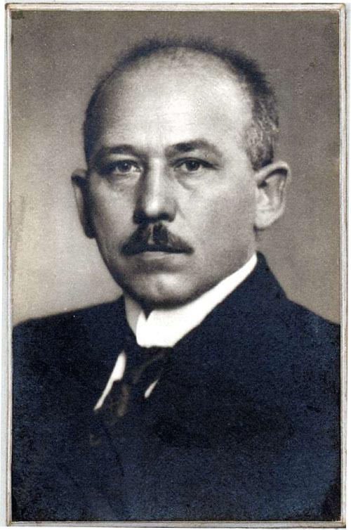 Adam Remmele, 1919/28 Landesarchiv Baden-Württemberg Abt. Generallandesarchiv Karlsruhe {231 Nr. 2937 (869)} Bild 1 Permalink: https://www.landesarchiv-bw.de/plink/?f=4-1384583-1