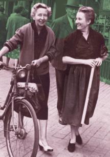 00. Mathilde und Marthe mit Fahrrad in Colmar 50er Jahre